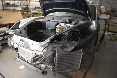 ポルシェの事故車について。