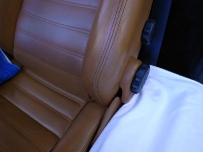 F355のシートの補修しました。