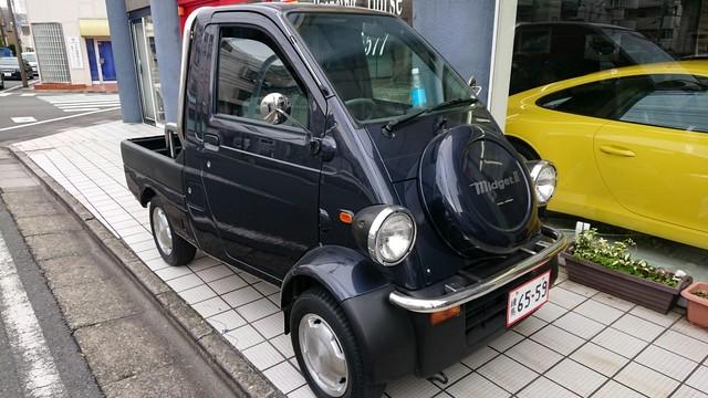 シングルシ-ターミッドシップスーパーカー?